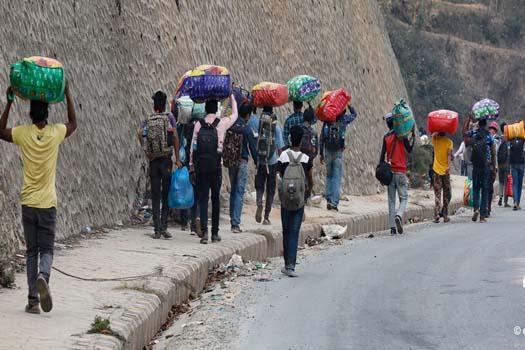 ठप्प विकास निर्माण : नेपालका साइट खुलेनन्, श्रमिक भारततिर